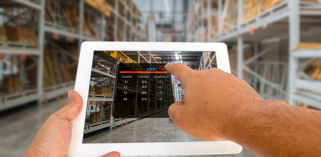 iot transforming logistics management